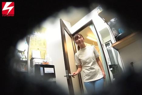 【新作】場所を問わずヤリたがるエロカワ若妻整体師ゆみちゃん(27歳)が 騎乗位で中出し懇願しちゃう不謹慎な淫乱絶倫妻だったので勝手にAVデビュー!!させちゃいました。 依頼ナンパVol 15 渡良瀬りほ 11