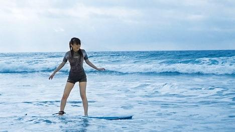 【新作】夏だ!海だ!サーフショップで働く超絶可愛い美少女がまさかのAV出演! 逢月はるな 2