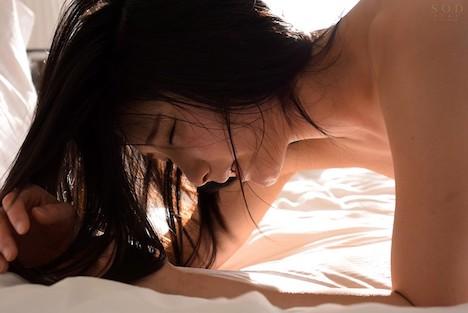 10000本の美女 本庄鈴 AV debut 2nd 性・欲・解・放 4本番 何度も絶頂を繰り返しながら身も心もありのままさらけ出す 上品なオマ○コから溢れ出すスケベな愛液… 5