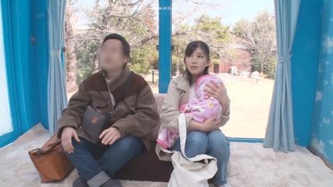 【SODマジックミラー号】みほ(27) 人妻 マジックミラー号 真正中出し!旦那さんと赤ちゃんがすぐ側にいるのに生SEXに没頭! 2