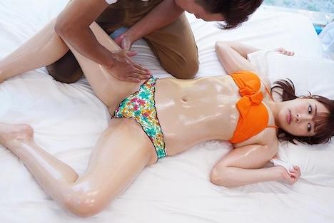 【SODマジックミラー号】みどり(21)女子大生 マジックミラー号 常夏の海!水着娘を彼氏の前で寝取って真正中出し2連発! 5