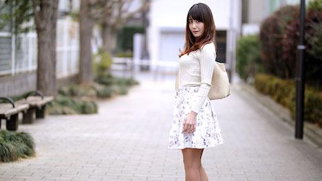 【パコパコママ】奥さん、今はいてる下着を買い取らせて下さい!~紫陽花色したシミ付きパンティ~ 佐々木優奈