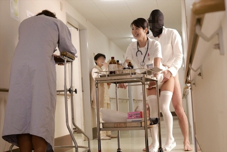 セックスが溶け込んでいる日常 病院生活で「常に性交」ナース 水谷あおい