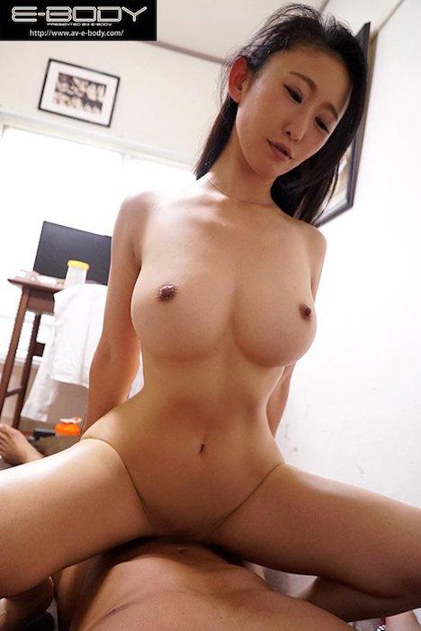 【新作】男子寮に派遣された日本一のくびれ美巨乳妻が若い勃起ペ●スに大発情して年下喰いまくり生ハメ痴女化 森ほたる 8