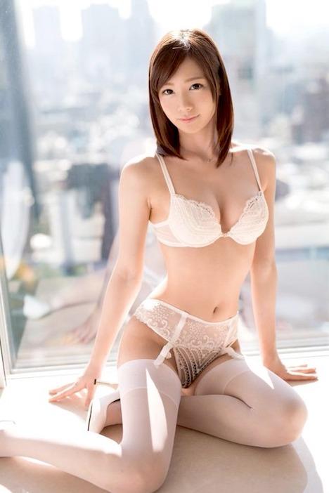 【悲報】大人気AV女優・鈴村あいりの引退が濃厚に・・・