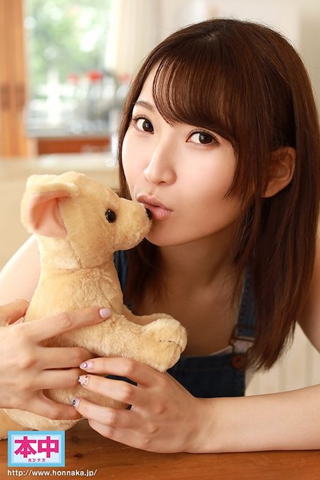 【新作】新人(自称)日本一キスが好きな現役女子大生AVデビュー 松下ひな 2
