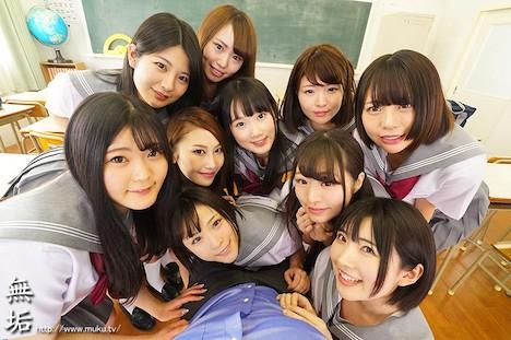 【VR】【超長尺VR!】純粋無垢な制服美少女10人とハーレム学園生活 女の子たちの真っ白なパンティの匂いをリアルに感じる350分 超ド迫力でパンティを楽しむノーモザイクVR