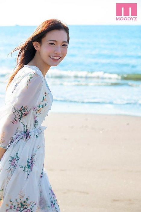 【新作】20歳になったばかりのクォーター現役女子大生 綺麗と可愛いの間 咲乃小春 11