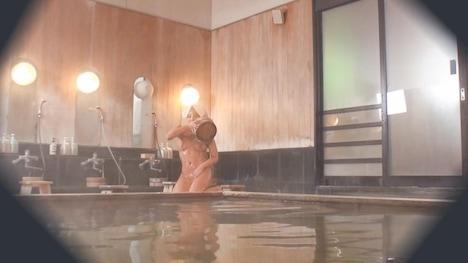 【顔出し!はじらい素人】タオル一枚 男湯入ってみませんか? ゆか(26)推定Cカップ 8