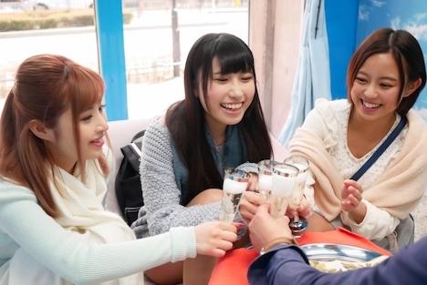 【SODマジックミラー号】花見客とハーレムプレイ かなえ(21)みく(20) まり(20) 3