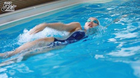 【新作】競泳歴17年!華々しい受賞歴を持つ21歳の肉体美 長身美人 競泳アスリートAVデビュー 寺川彩音 3
