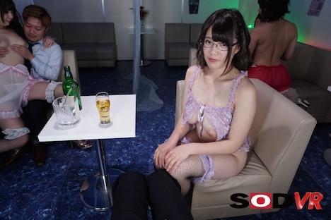 【VR】【HQ超高画質】おっパブ初出勤のJカップ巨乳メガネっ娘 佐知子 3