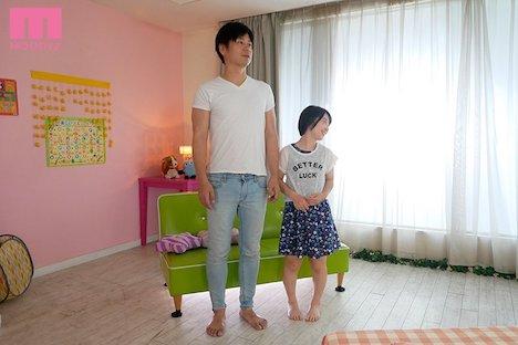 【新作】フェラチオやSEXの練習がしたくて来ました。 新人 身長135cmの女の子デビュー 椿ゆな 2