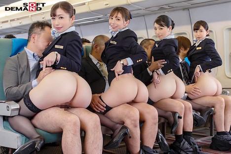 「制服・下着・全裸」でおもてなし またがりオマ○コ航空 11 デカ尻便