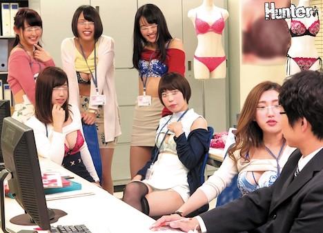 下着メーカーに就職したら男はボク1人でまわりは巨乳過ぎる女子社員だらけ!さらに社内で下着姿になるのは当たり前らしく目のやり場に困ってしまい勃起しまくりです!!当然勃起していたら女子社員に見つかりヤバいと思っていたけど女子社員たちは怒るどころか逆に興奮気味…