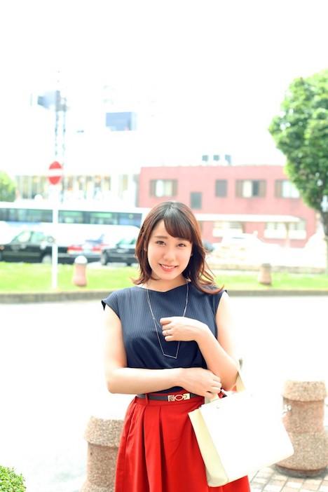 【恋する花嫁】梨花(29) 真面目な人生を歩みつつも、性の欲求を抑えきれないでいる専業主婦!他人とのSEXが忘れられずに再びやってきました! 2