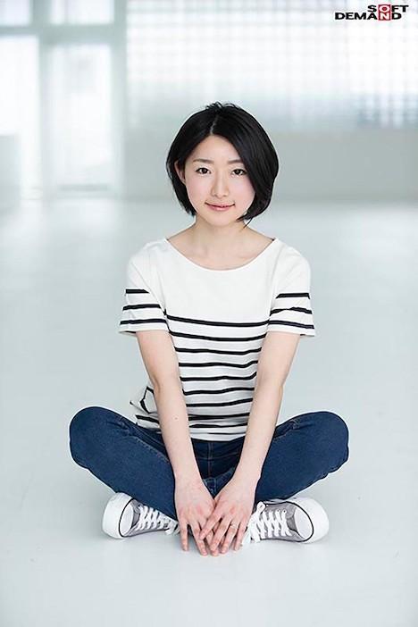 【SOD PREDEBUT】鈴木理子 28歳 けがれを知らない無垢な顔で、君は愛液を垂らし続けた。 2
