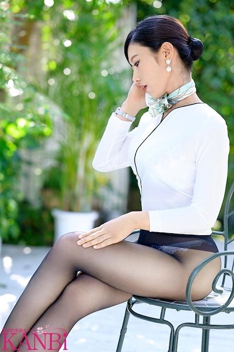 【新作】現役国際線キャビンアテンダント 神美脚人妻 長谷川美菜 35歳 AVデビュー 最上級ファーストクラス人妻 2