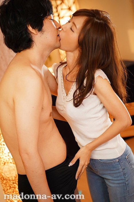 【新作】The BEAUTIFUL WIFE 01 桜井ゆみ 37歳 AV debut!! 6