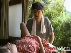 田舎の旧家のお嬢様が使用人のおじさんを誘惑して・・・