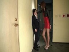 放課後の教室で従順な彼女に乳首舐め手コキして貰う彼氏