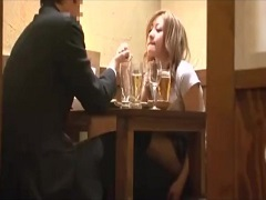 彼女が酔い倒れている隙に男を誘惑する小悪魔ギャル
