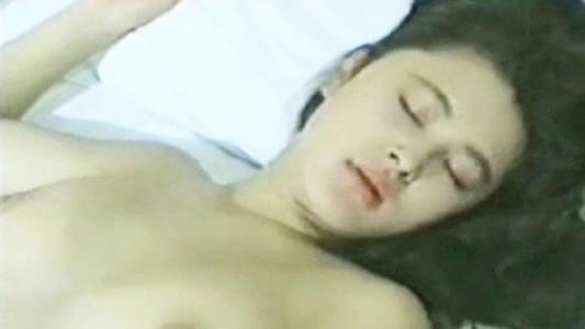 欲情してトロ顔でまんぐり返しクンニに感じ足先まで舐められてちんぽ中毒のセクシー美女が淫らに悶える 村上麗奈