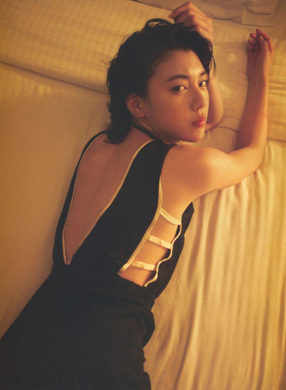 三吉彩花19