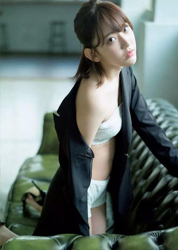宮脇咲良38