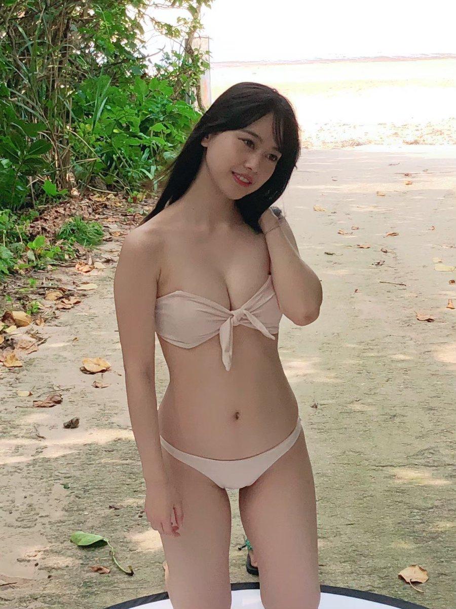 岡田佑里乃28