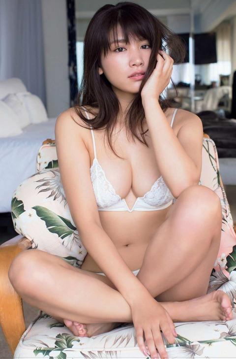 久松郁実69