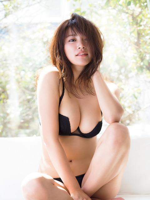 久松郁実83