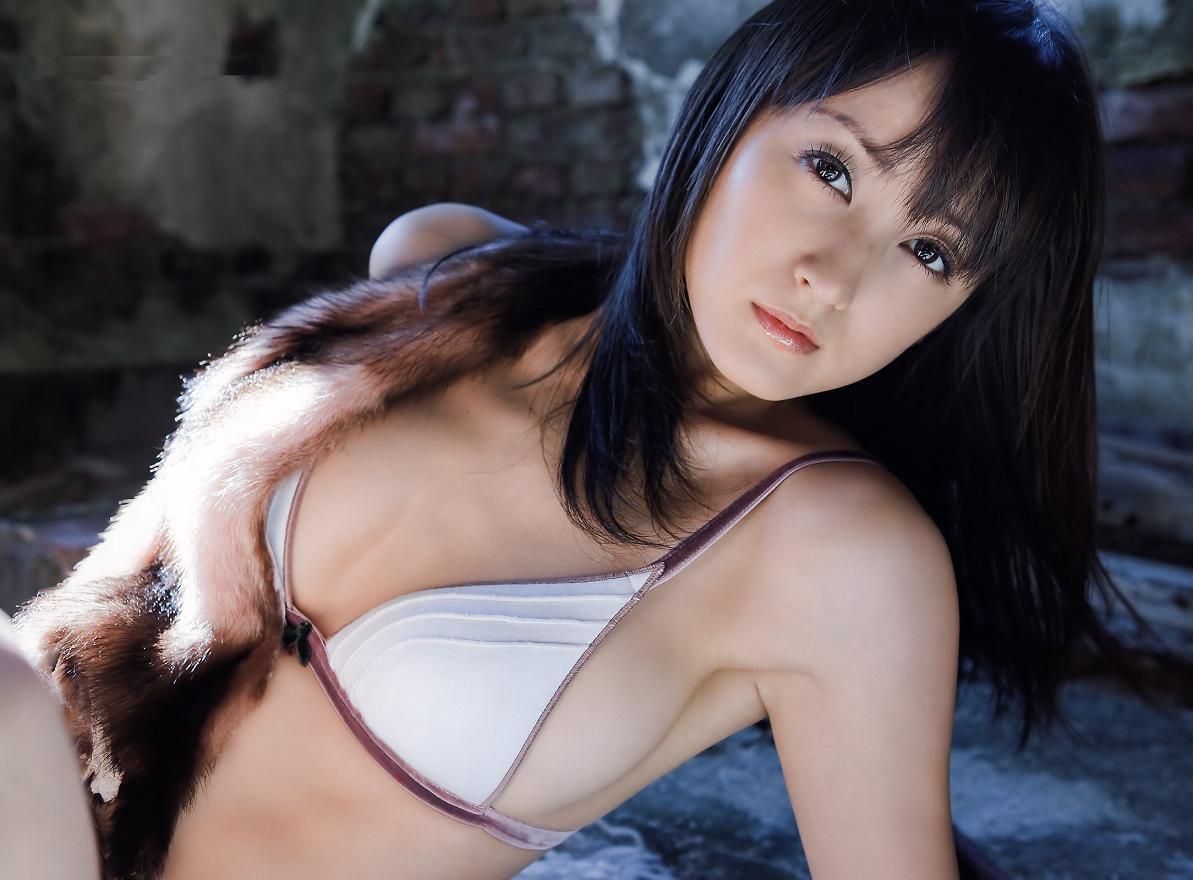 小松彩夏64