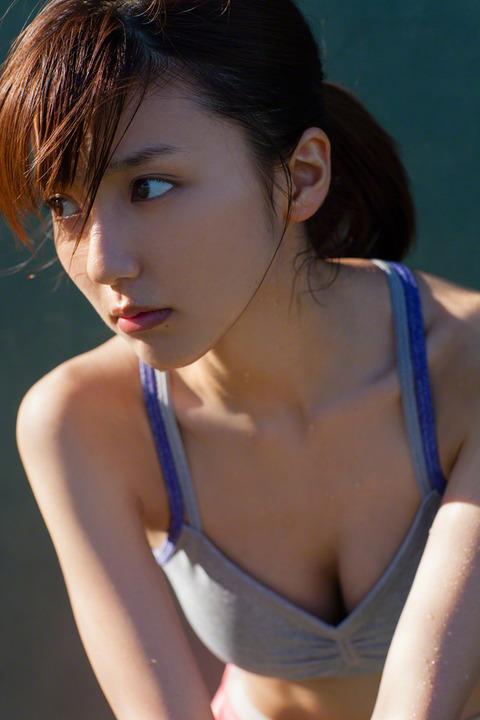 真野恵里菜84