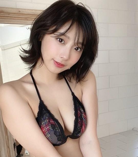 erosaka-geinou-260-008-768x1024bv.jpg