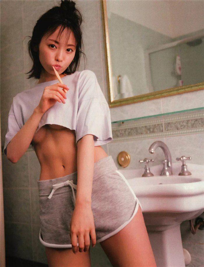 yui_032-700x917.jpg