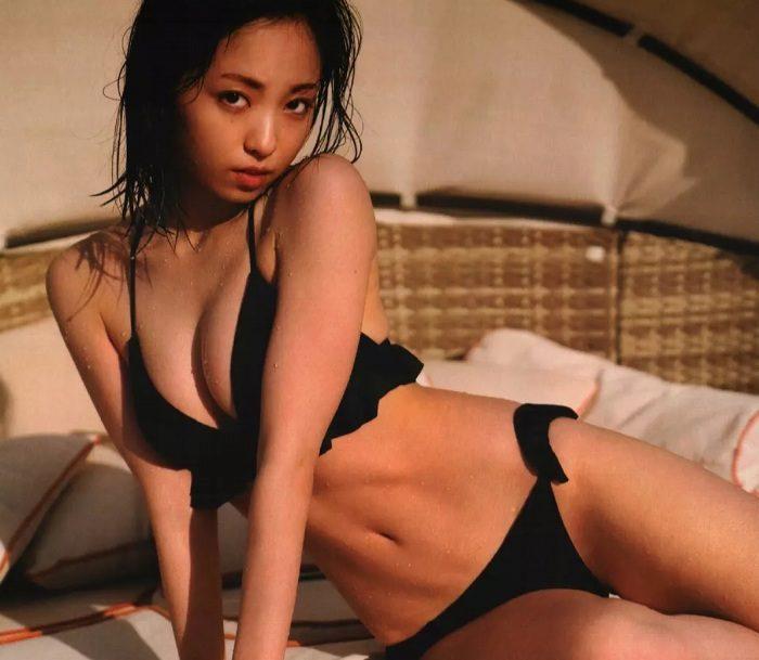 yui_112-700x609.jpg