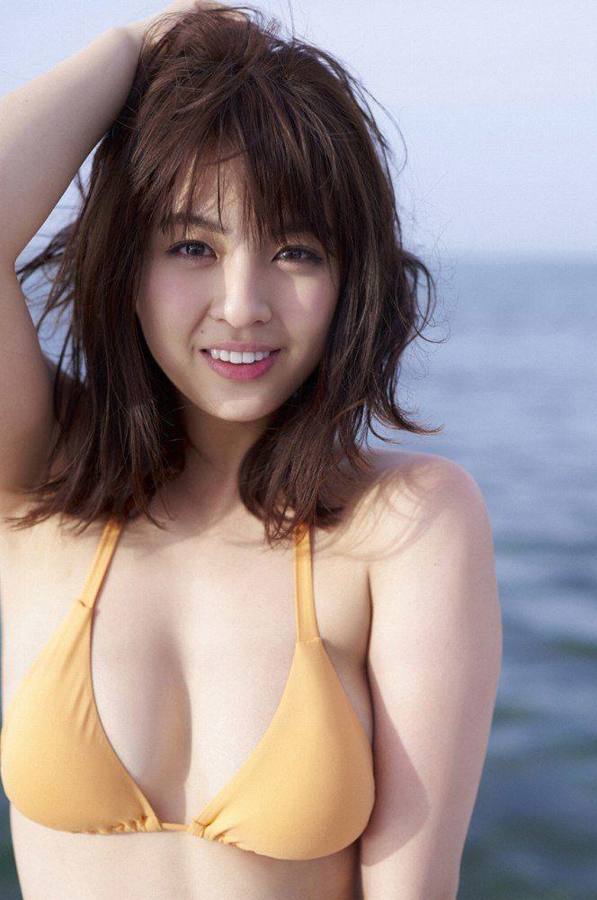 yurina_001-664x1000.jpg