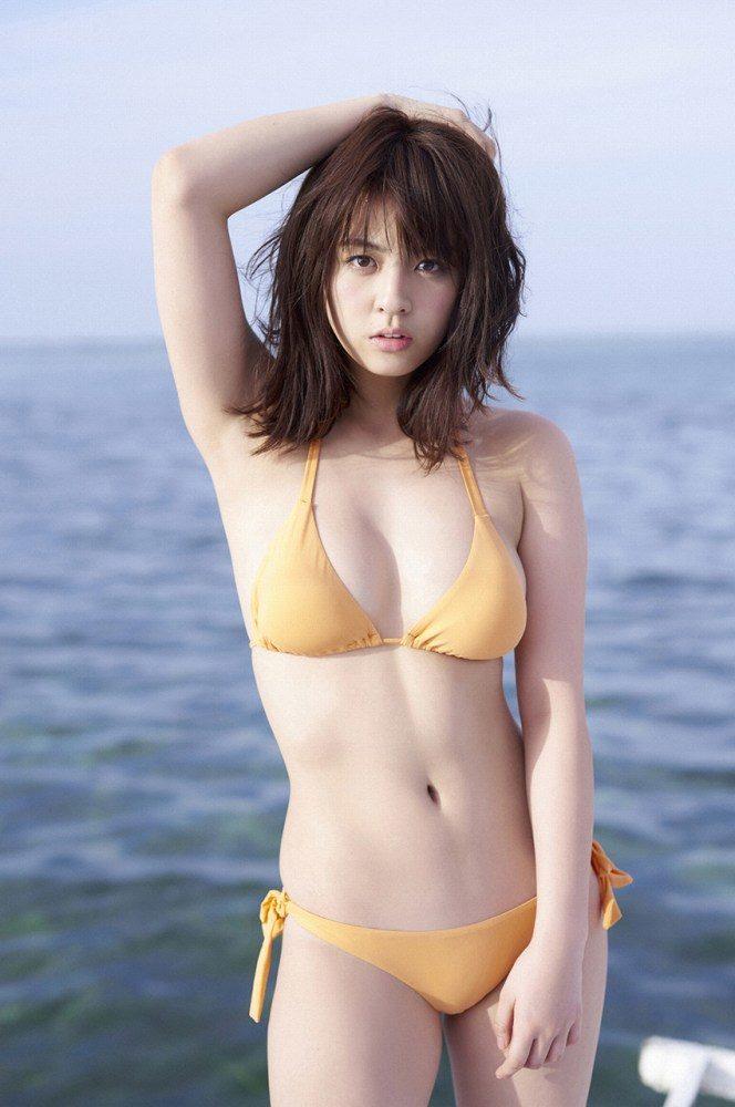 yurina_002-664x1000.jpg