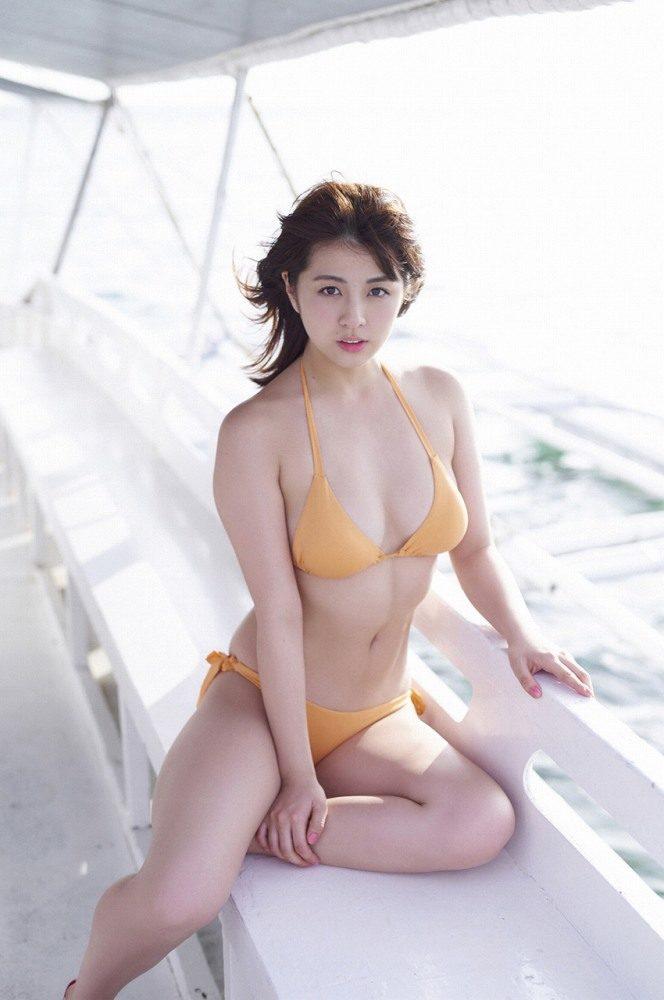 yurina_012-664x1000.jpg