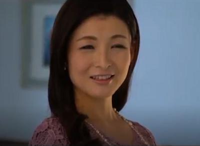 夫婦生活で夜のいとなみが無く50歳の熟年女性の性を撮影した大宮涼香さんの最高にエロい中出しセックス動画