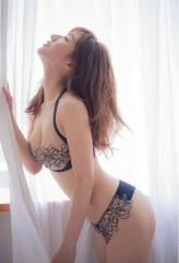 田中みな実アナ腕ブラヌード画像10