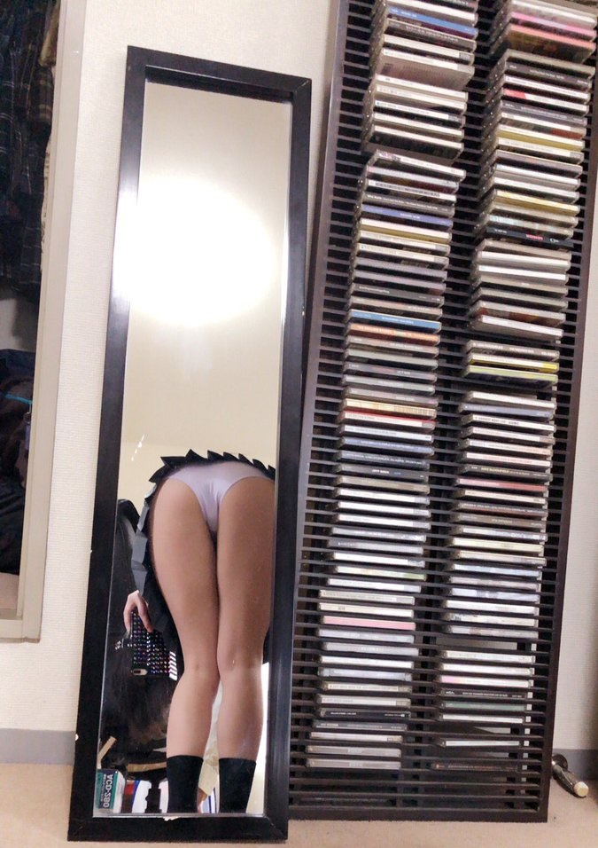 鏡越しの裸1