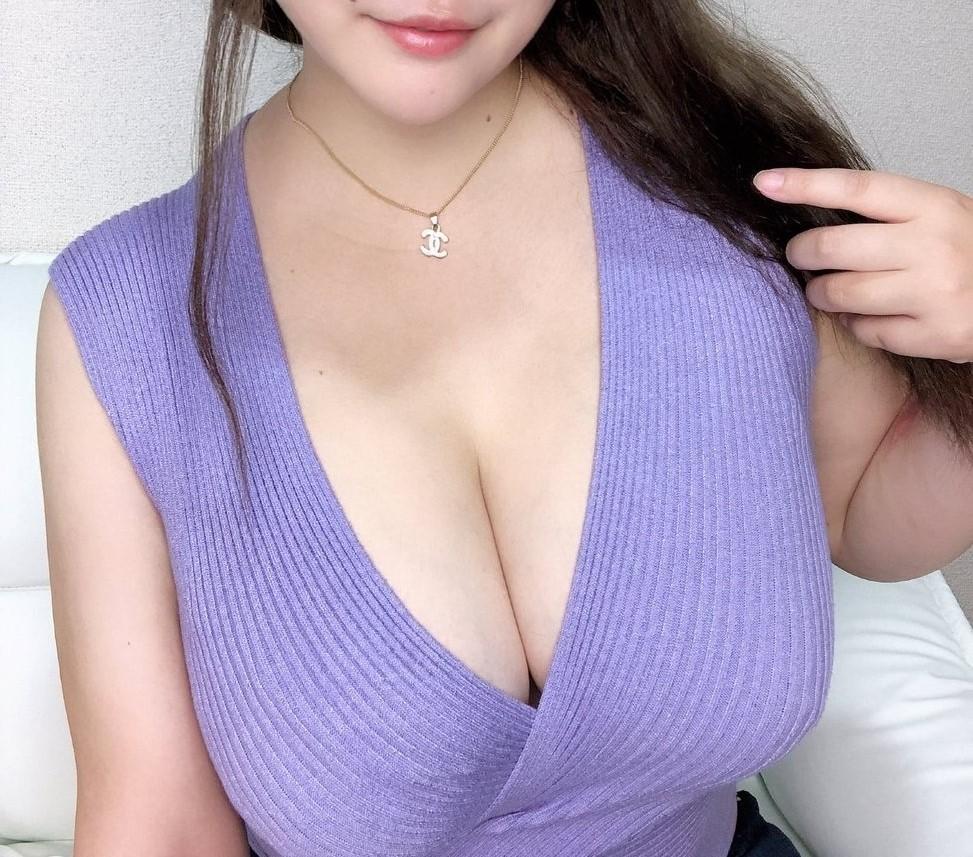 セーター&ニットごしのおっぱい4