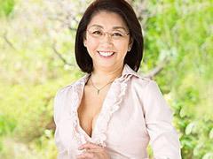 初島静香 メガネを掛けた六十路熟女の家庭教師がSEXの手解きで中出し!