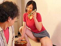 児玉るみ 隣人の巨乳人妻(四十路)が痴女と化してノーパンやマンチラで誘う!