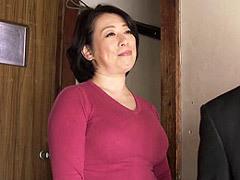 柏木舞子 五十路の豊満巨乳母と息子が異常性交する母子SEX動画!