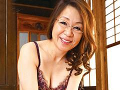 多岐川翔子 メガネを掛けた五十路のおばさん家庭教師に性教育される若い青年!