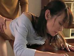 庄司優喜江 もう手コキでは我慢できない…童貞息子が五十路母に筆下ろしを迫り中出し!