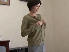 竹内梨恵 巨乳叔母のイヤらしい容姿に興奮した甥に迫られてフェラ~パイズリから性交!
